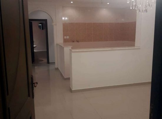 4 rooms for rent in Al-Marwa district
